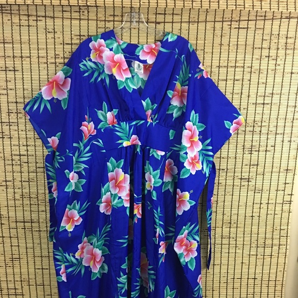 Women's Hawaiian Dress Vacation Floral Plus Size NWT